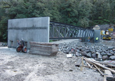 Upper Pike bridge truss in place DSC04455